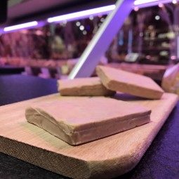 Foie gras de canard au torchon ±65g (1 tranche)
